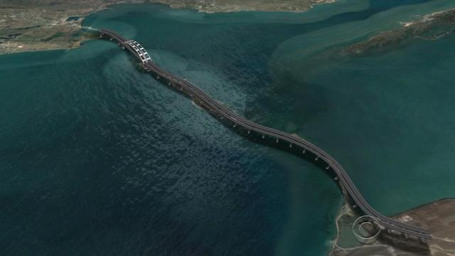 Putin building colossal bridge that will connect southern Russia to Crimean Peninsula