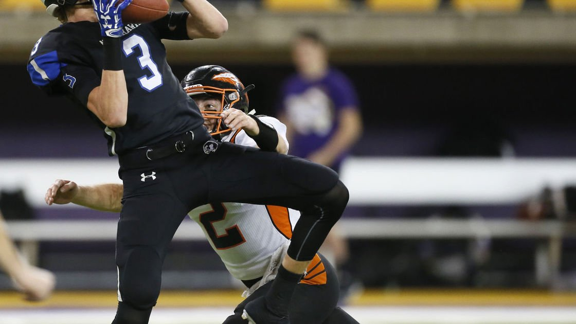 STATE FOOTBALL SEMIFINALS: Nighthawks fall to Waukon