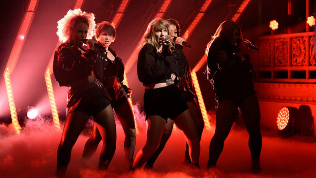 Watch Taylor Swift's SNL performances