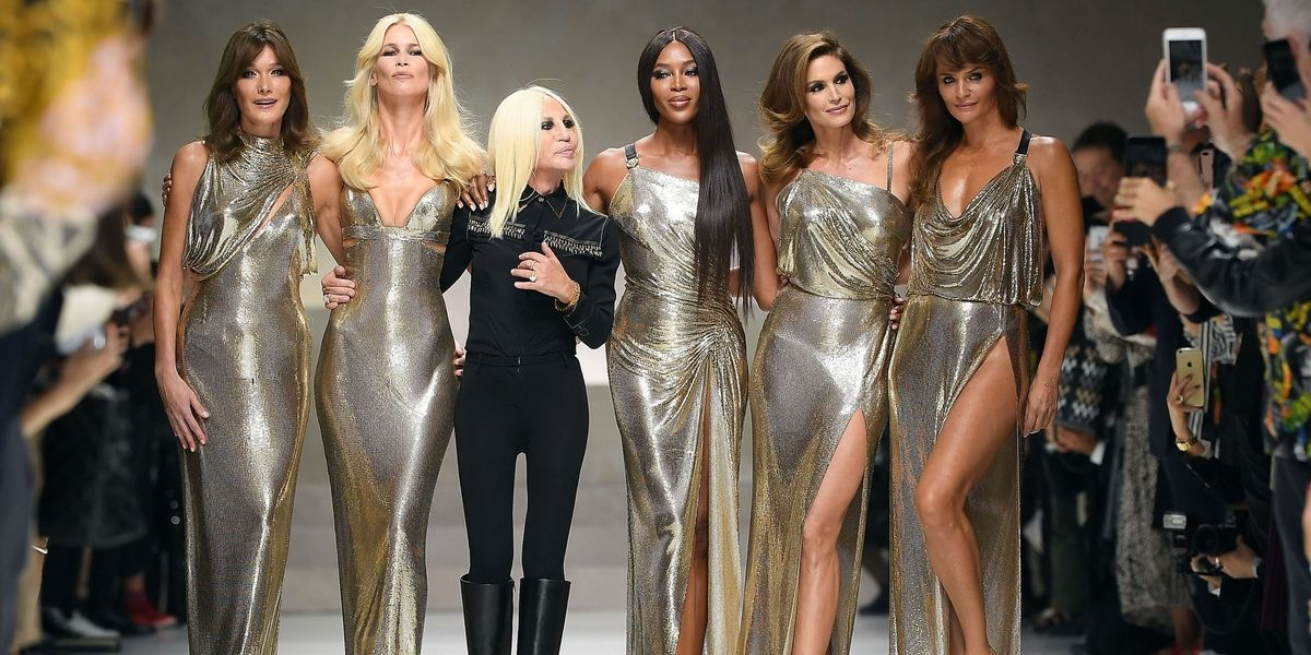 RT @BazaarUK: Cindy Crawford reveals the story behind that Versace supermodel reunion https://t.co/2dZ5W2AAIO https://t.co/fvpMX2JkrW
