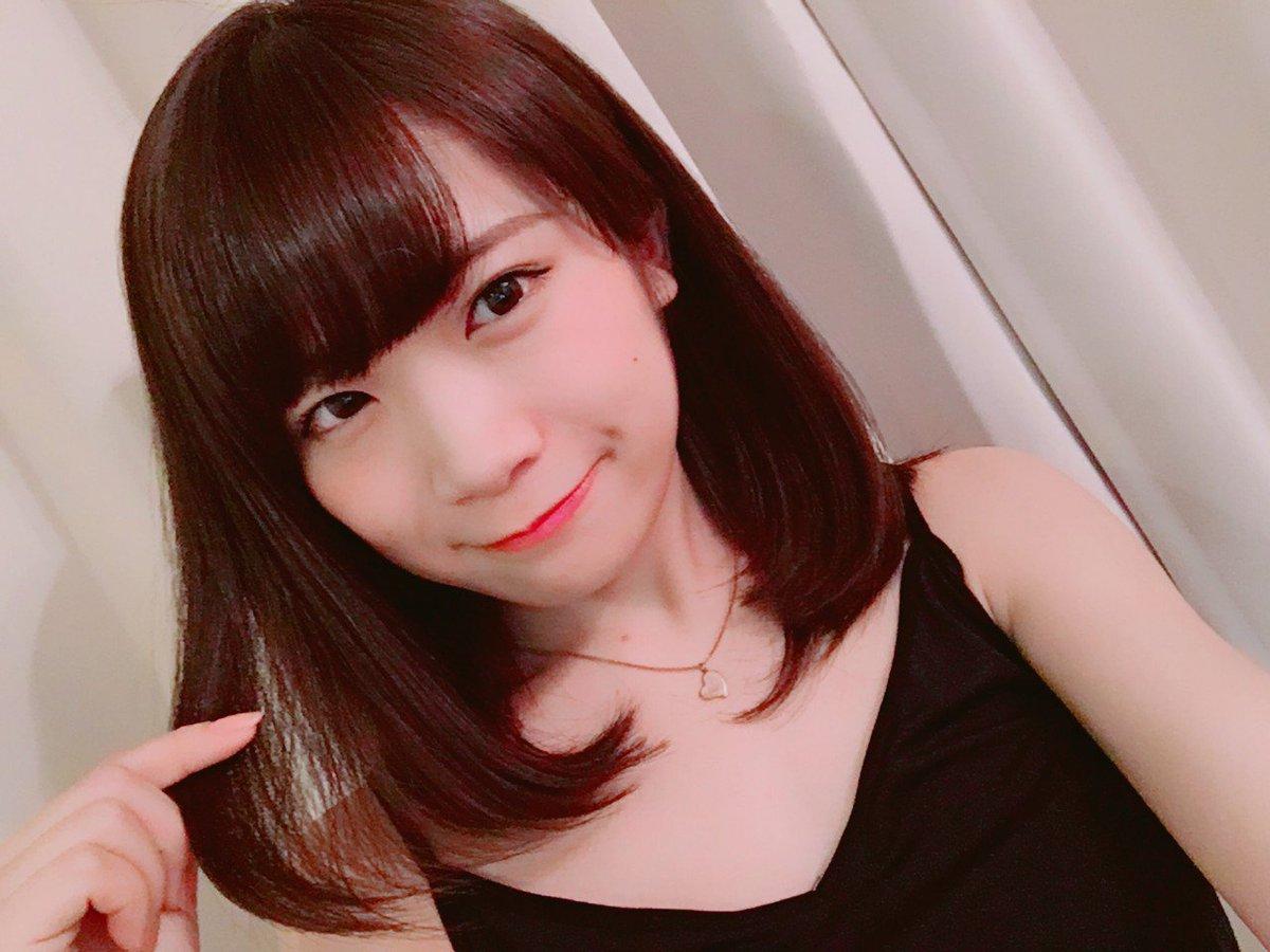 ◆◇乃木坂46・欅坂46のメイクについて語るスレ19◇◆ YouTube動画>12本 ->画像>560枚