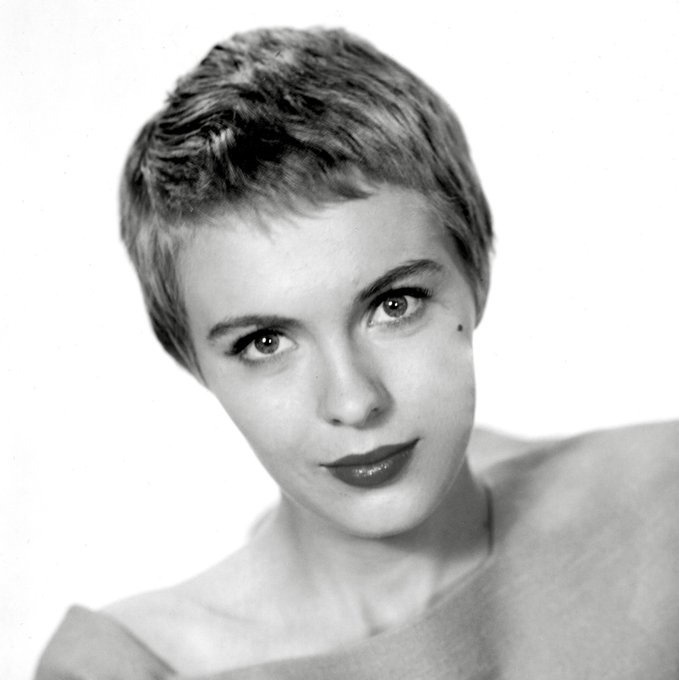 Happy Birthday, Jean Seberg! Born 13 November 1938 in Marshalltown, Iowa. Died 30 August 1979 in Paris, France