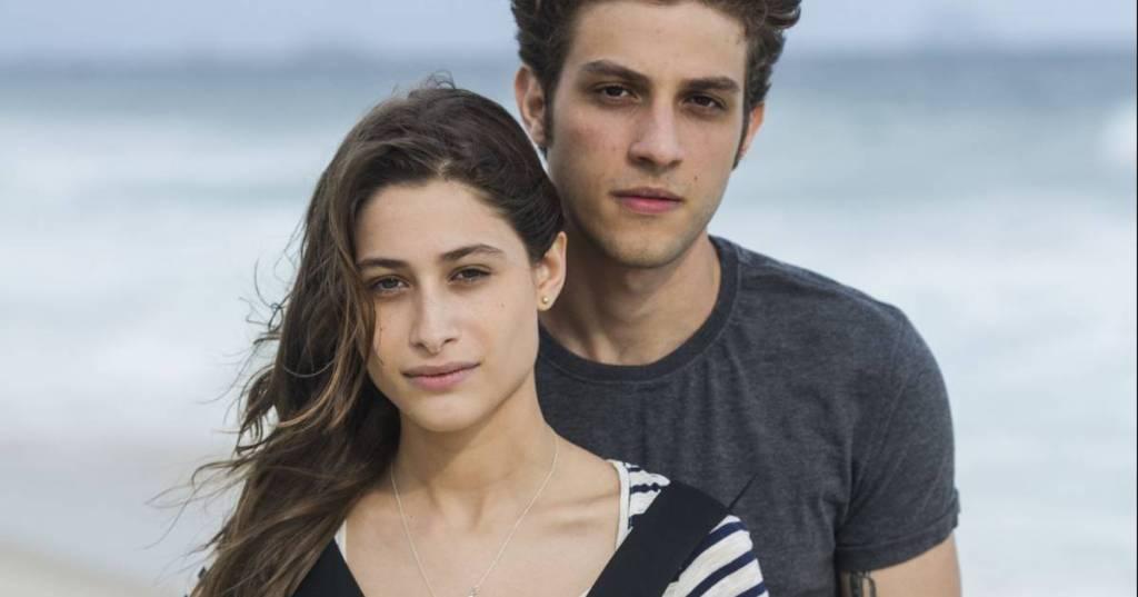 """Chay Suede. Foto do site da RD1 que mostra Luísa Arraes e Chay Suede serão filhos de Giovanna Antonelli em """"De Volta ParaCasa"""""""