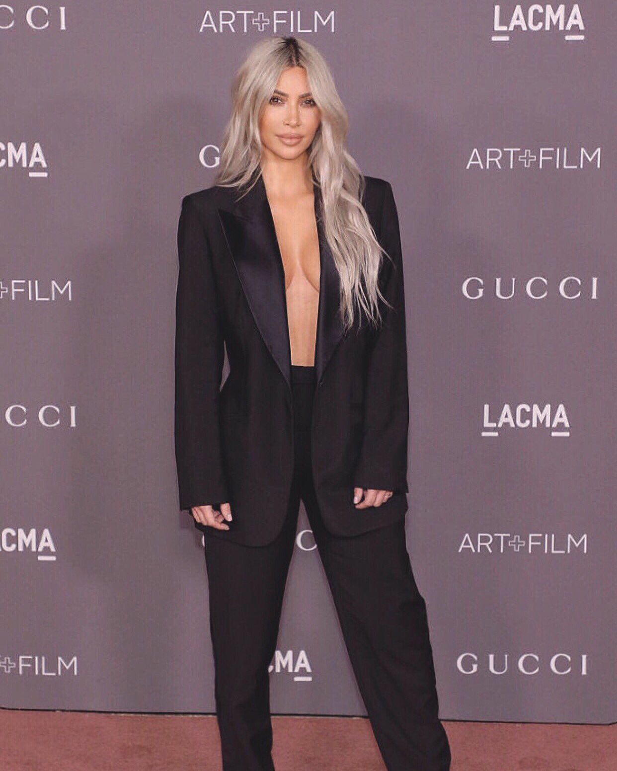 LACMA event wearing Gucci by Tom Ford https://t.co/PbtH23o1Pk