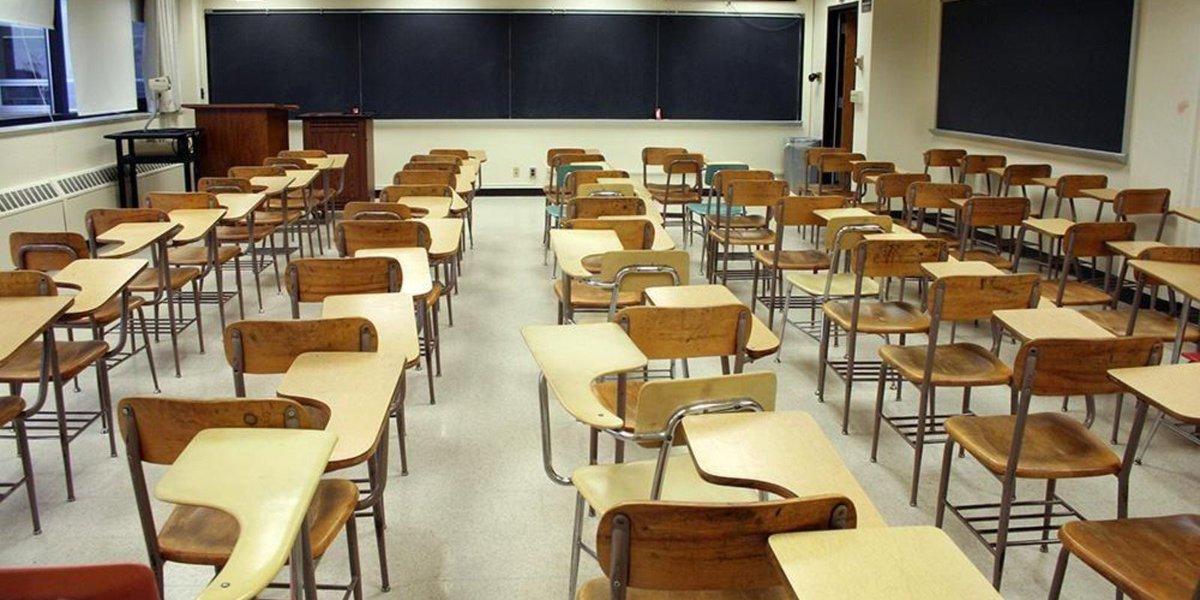 Home auction program gives half off to Detroit teachers