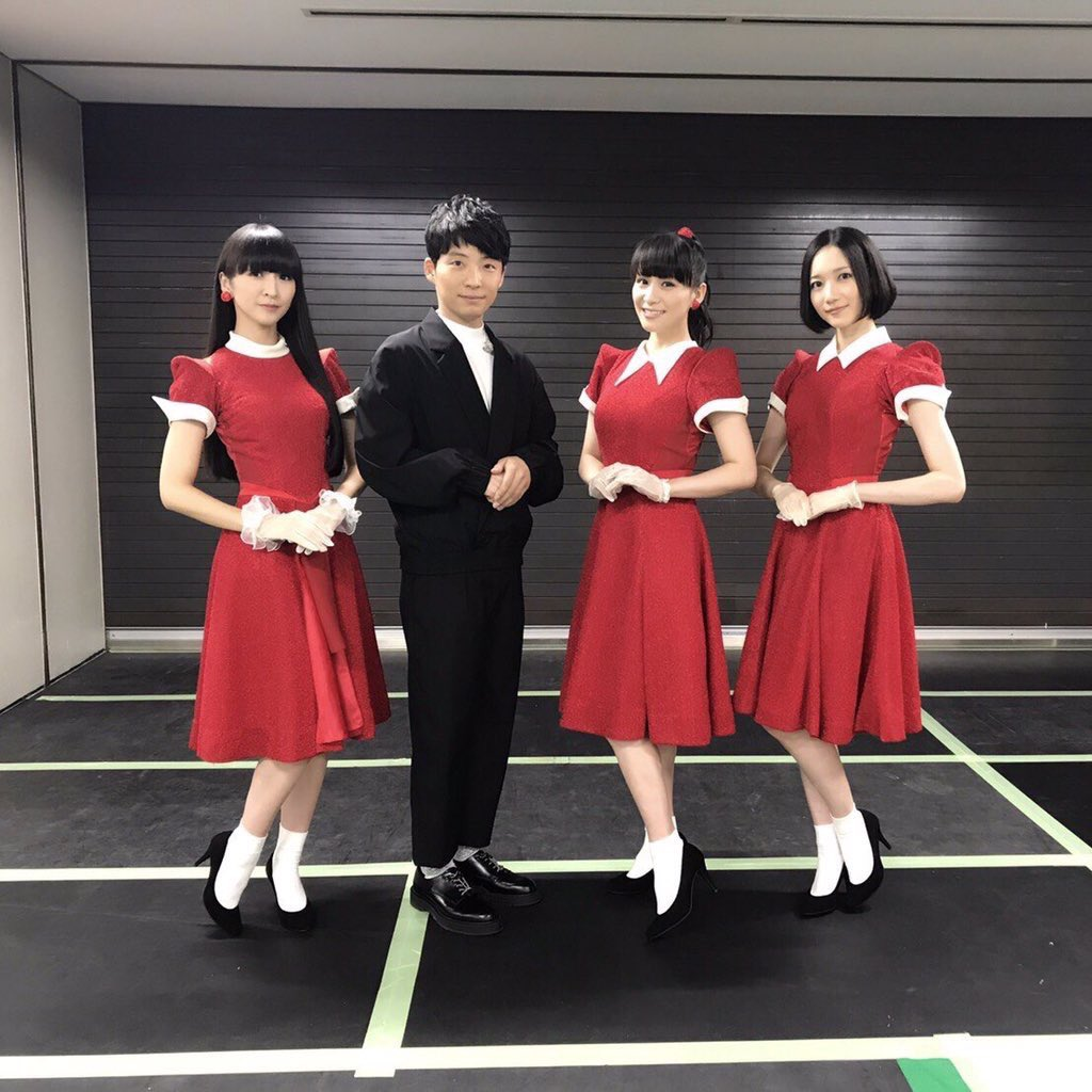 星野源 恋 衣装 ダンサー