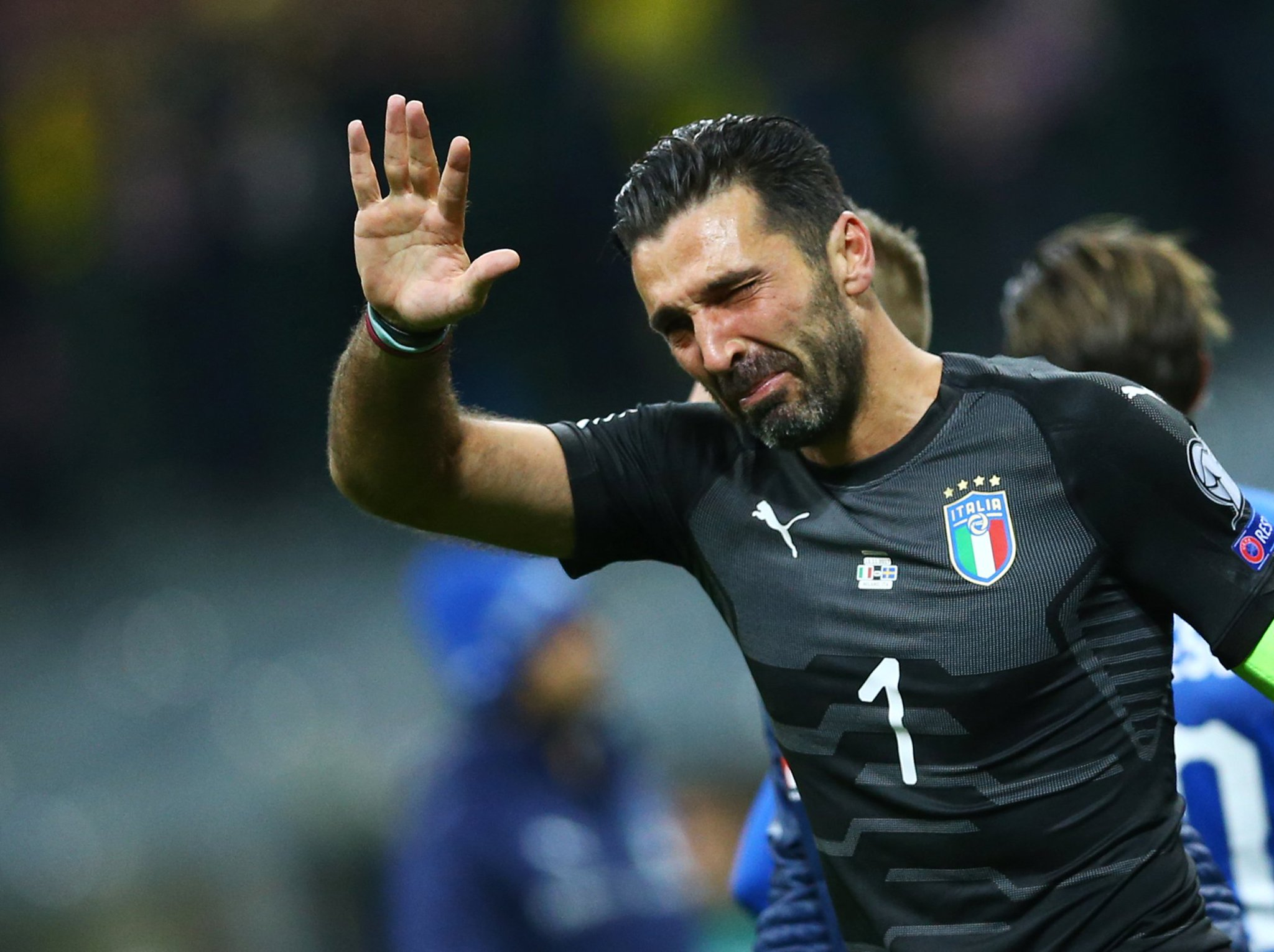 "Gigi Buffon: ""I'm not sorry for myself but all of Italian football"" #ITAvSWE https://t.co/nqXgFOcI2d https://t.co/W6BvBdmyVx"