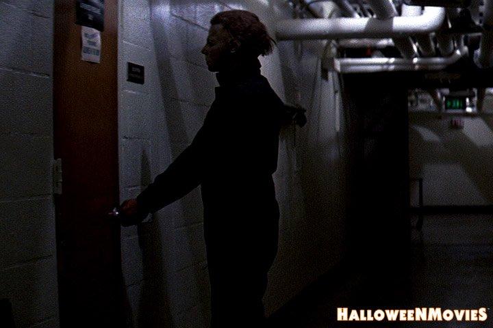 Alternate take ... #MichaelMyers coming for Mr. Garrett - #Halloween II 🎃 TV Edit - #MyersMonday https://t.co/MBFMjO9zPI