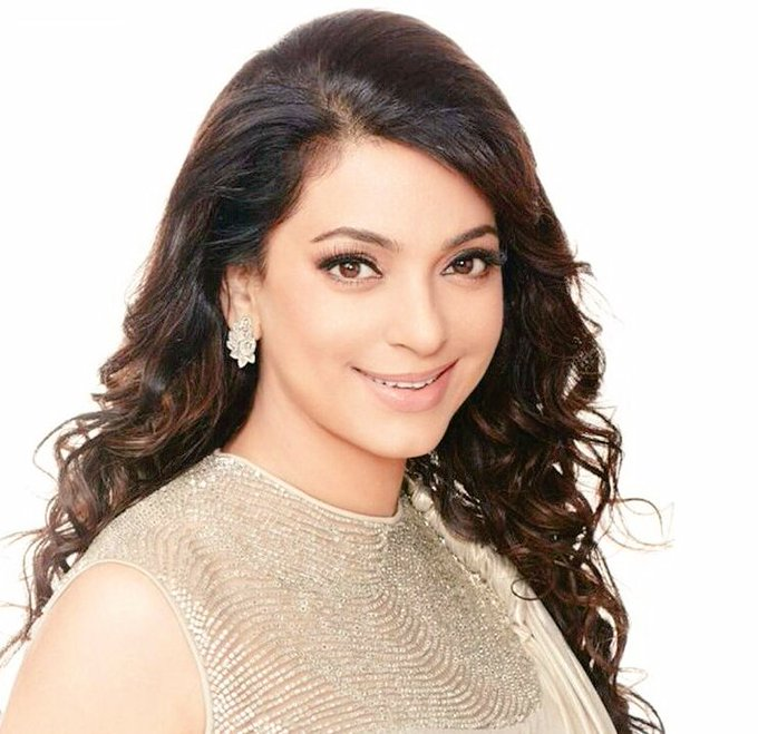 Wishing The Superstar With Timeless Beauty & Endless Talent Chawla, a Very Happy Birthday!