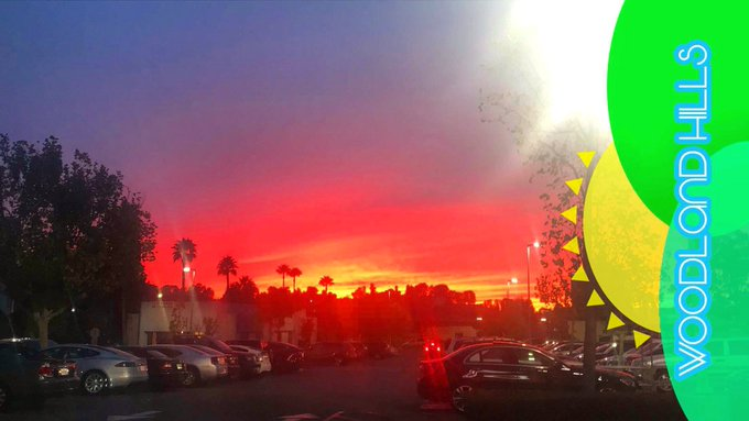 1 of the reasons I love living in Los Angeles. This was last nights Sunset 🌅 https://t.co/Y3armrNWqy