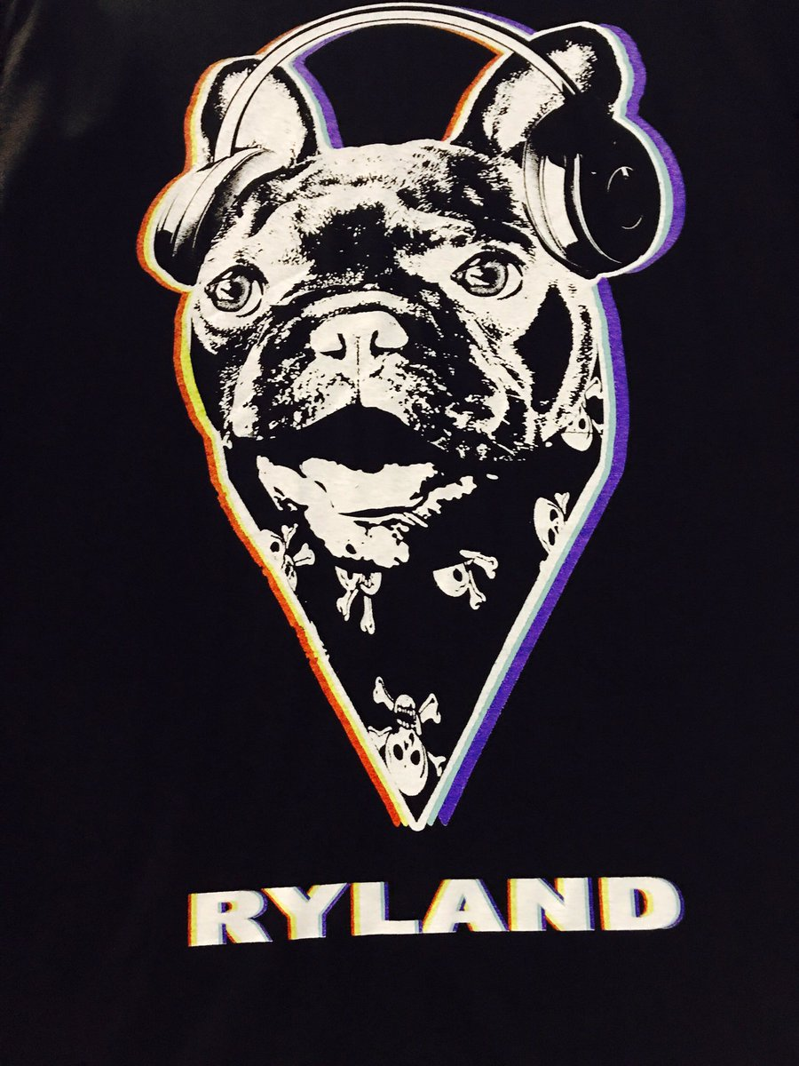 RT @rylandlynch: Tomorrow at 2pm pacific time I am releasing the last 50 Vader shirts from our European tour! ???? https://t.co/FRsayNejkC
