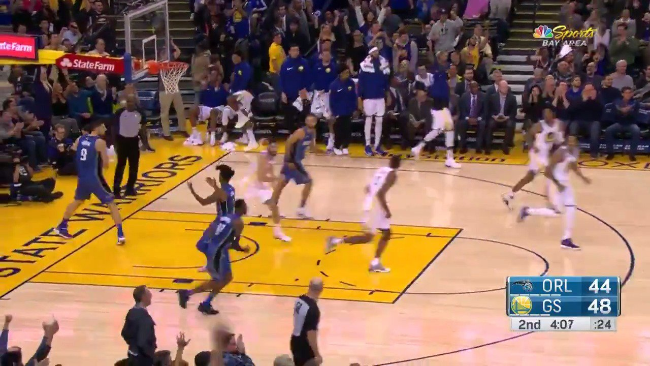 Kevin Durant turns defense into offense! https://t.co/B325eVts5K