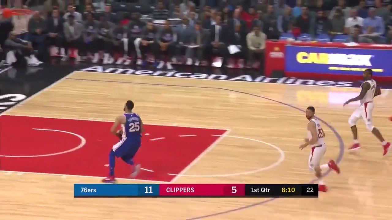 Ben Simmons has a dunk party in the first half on League Pass! https://t.co/ichBHgq5Li