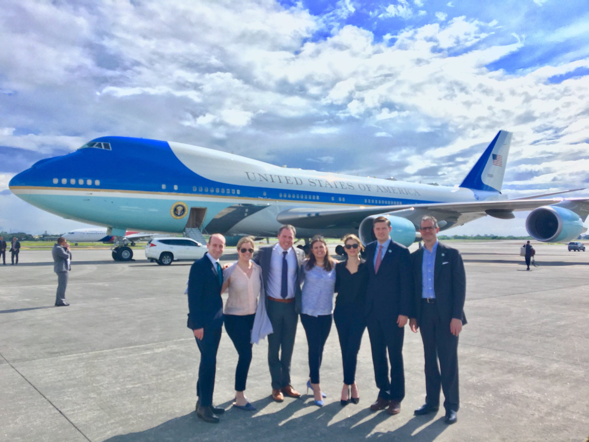 Group shot in front of AF1 just before we head home after @POTUS historic trip across Asia. #POTUSinAsia https://t.co/Px6TYOgfmT