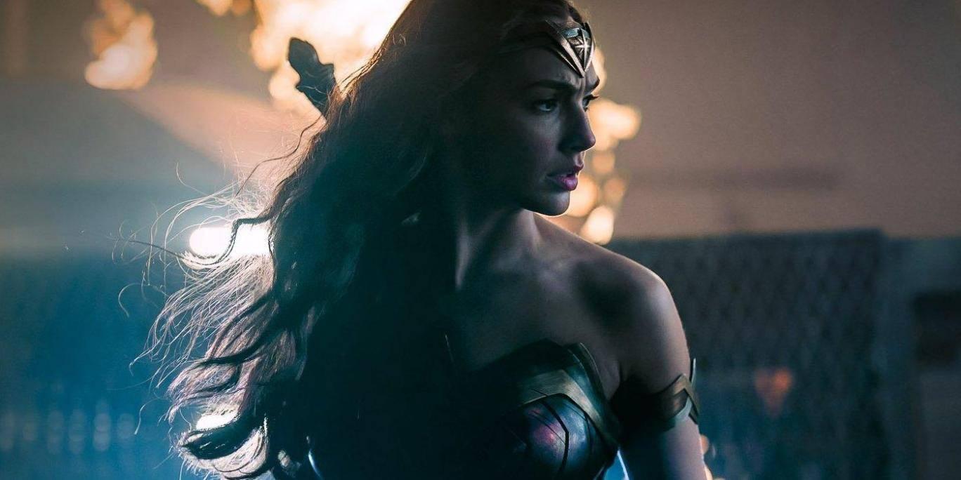 Wonder Woman 2 release date moves forward a month https://t.co/d1jtQPqWxM https://t.co/FWEZu5WEH0
