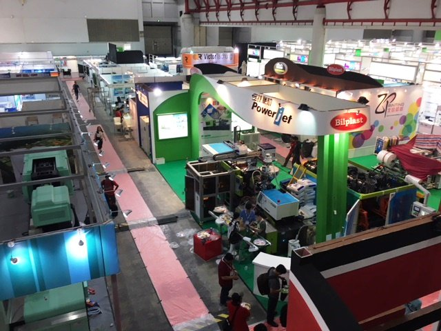 test Twitter Media - It's been a busy build-up for Plastics & Rubber Indonesia 2017 - bring on the show tomorrow!  #trade #show #seeyouthere https://t.co/2X0cpwVrEQ