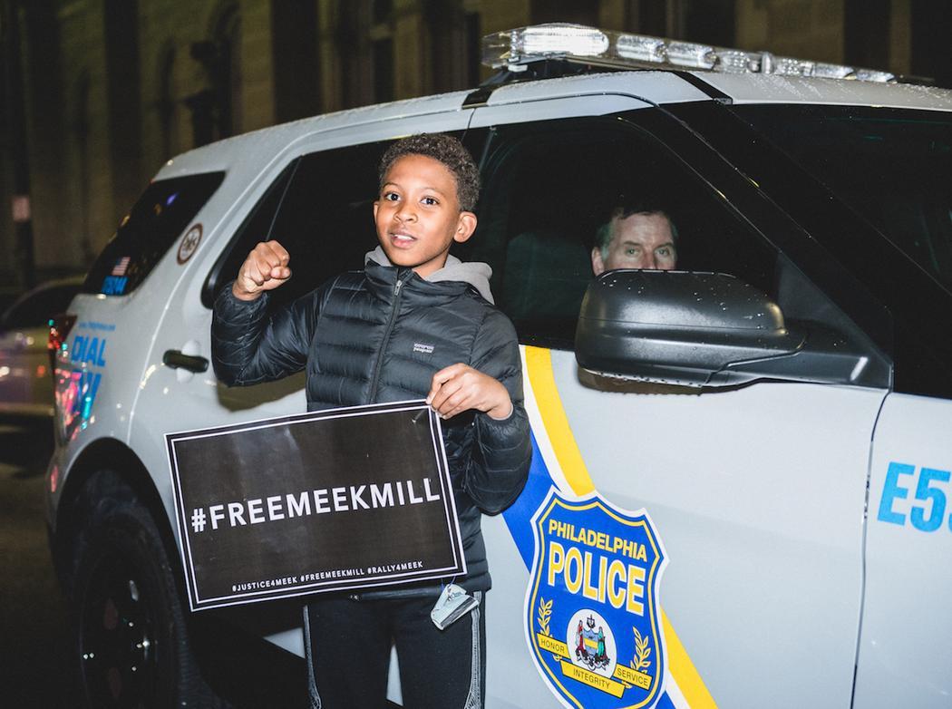 Scenes from Philadelphia's rally to #FREEMEEKMILL: https://t.co/n23BnMiiqP https://t.co/n7dnC1rRzA