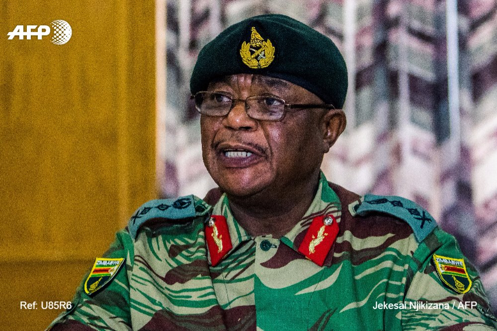 Tensions au Zimbabwe après les menaces sans précédent de l'armée contre Mugabe