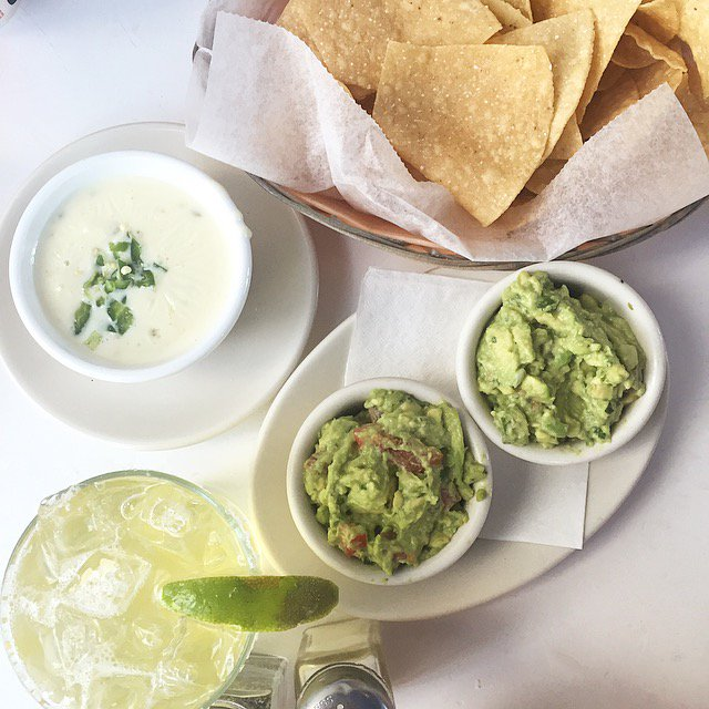 Gotta go for double the #guac at <a href=https://twitter.com/TaqueriadelSol target=blank>@TaqueriadelSol</a> on #nationalguacamoleday 🥑🥑 #guacamole #avocado <a href=https://t.co/yMgvGSzwT5 target=blank>https://t.co/yMgvGSzwT5</a>