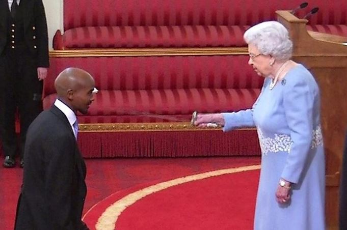 Arise, Sir Mo Farah.  Watch him receive his knighthood from the Queen: https://t.co/zTg3y0QZDN https://t.co/dAoDbBZkti