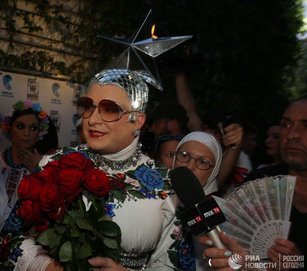 Верка Сердючка рассказала зачем украинские артисты гастролируют в России