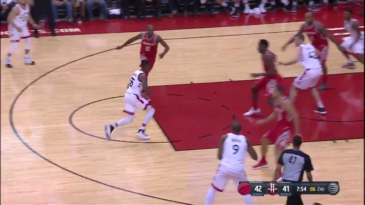 Delon Wright uses his pump fake to get in for the lay-up!  @Raptors lead @HoustonRockets on @NBATV in the second. https://t.co/RBRTfBVVEz