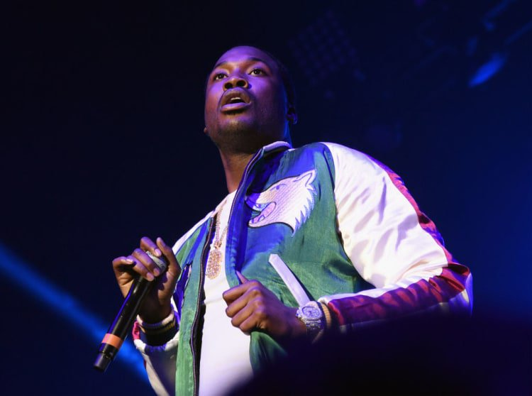 Something peculiar may be going on with Meek Mill's judge. https://t.co/CJ5NSbhrvh https://t.co/hJb9b0R23f
