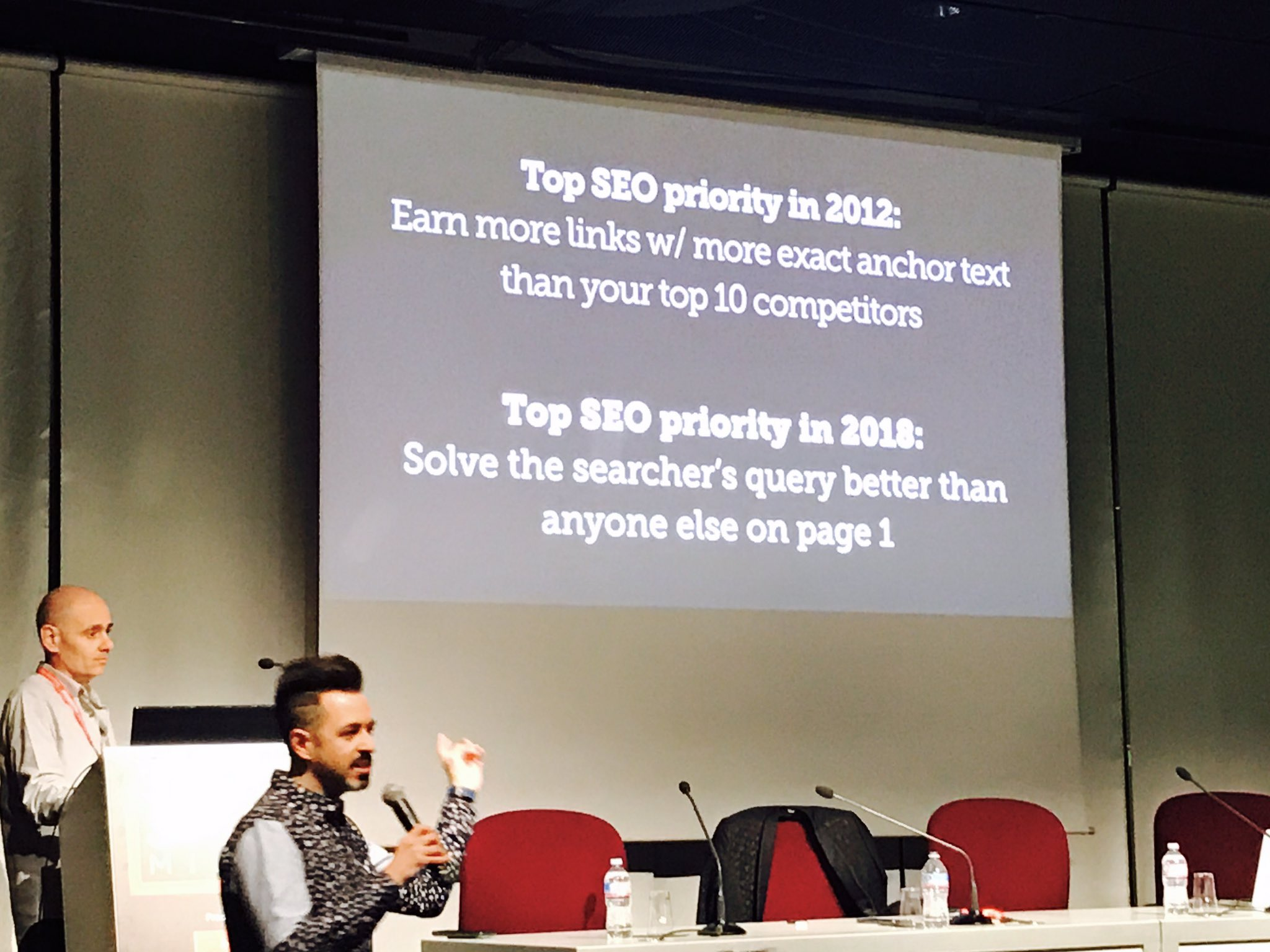 Top SEO priority in 2018 = solve the searchers query better than anyone else! @randfish #Smxlmilan https://t.co/A3nmnVjm0H
