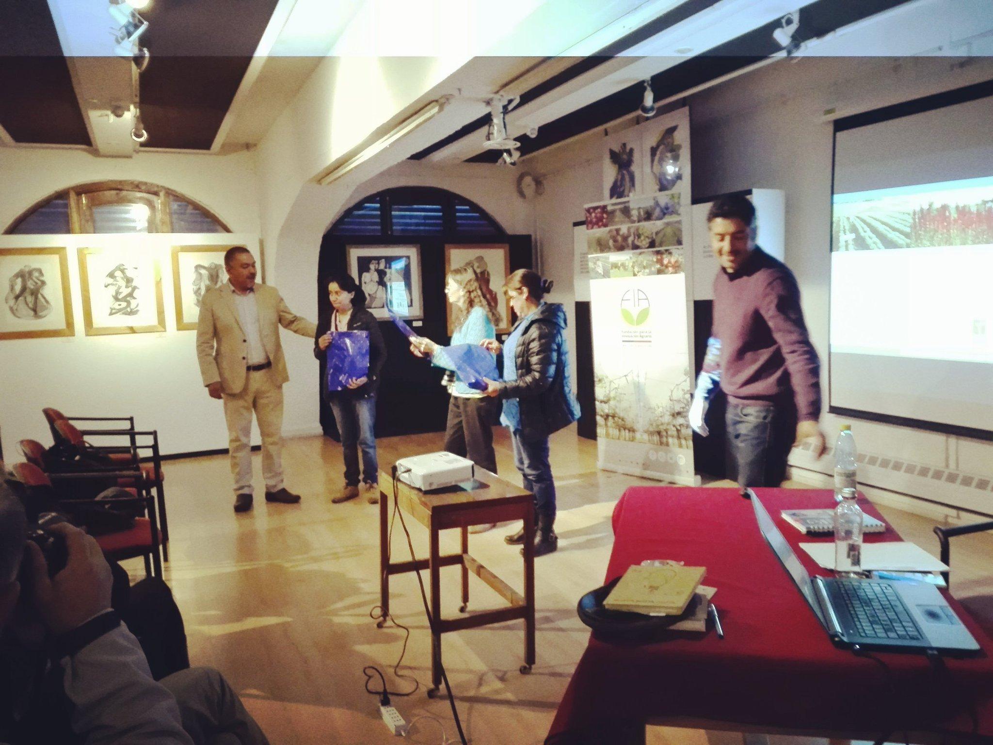 """Excelente seminario de cierre de estudio """"Línea de base para la producción agroecológica de la #quinoa #Huilliche en la Isla Grande de #Chiloé: un patrimonio natural al sur del mundo"""". Gracias por la confianza y buena acogida a todos los productores!!! @ucatolica https://t.co/CmkmKQDQz3"""