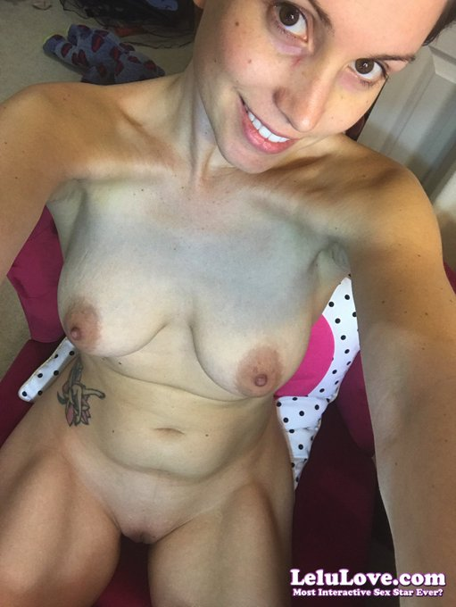 #Nude #selfie :) (join me here: https://t.co/lm1yXGN4ga ) https://t.co/q7oIyqaYTe