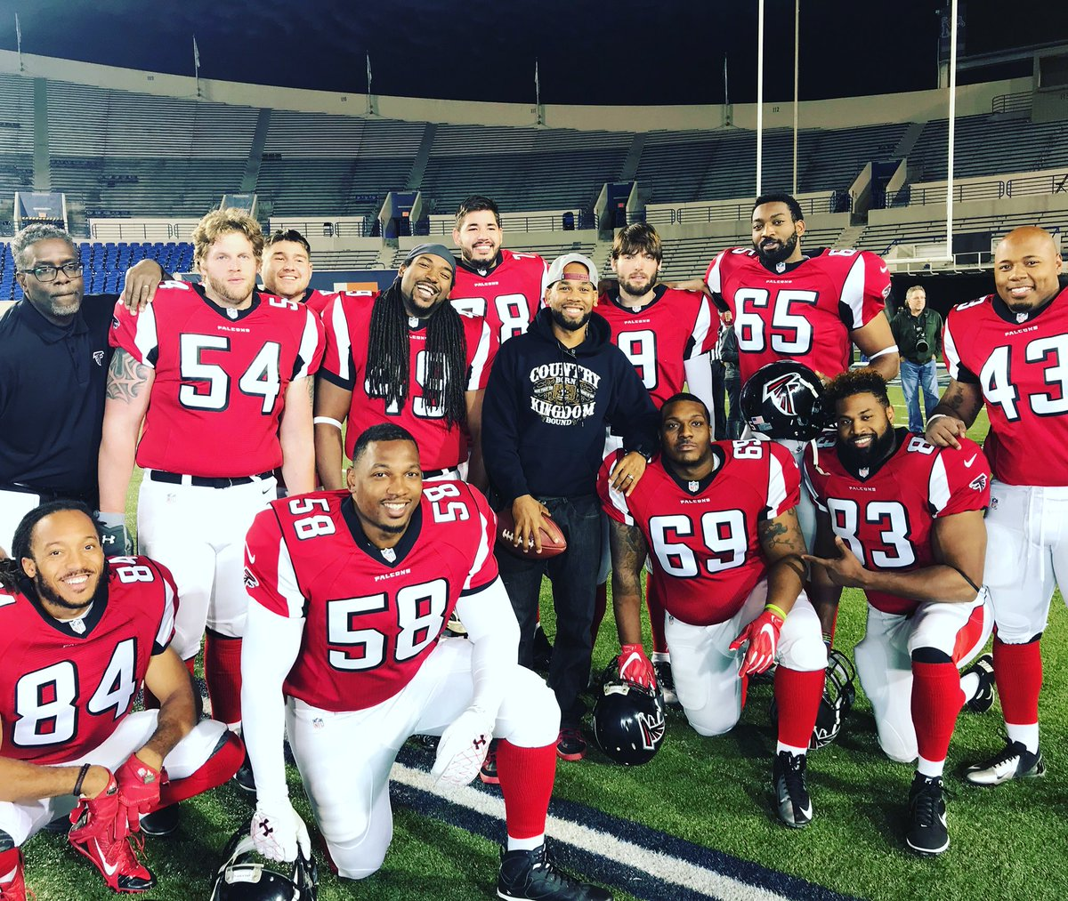Finished up strong on the Brian Banks movie with this great group of guys! #BrianBanksMovie #setlife🎥 #memphis https://t.co/KC1gMjGUL5