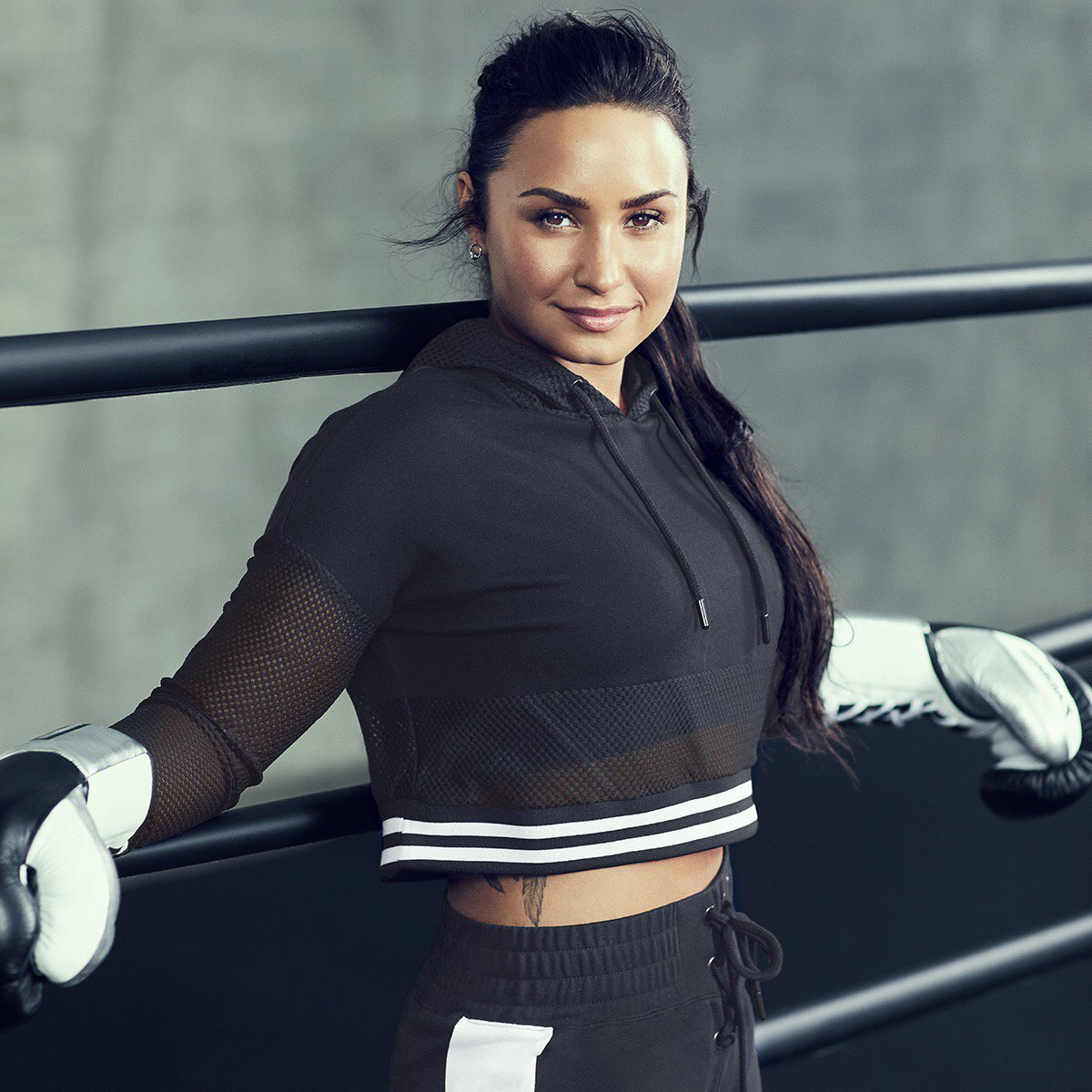 One of my favorite @fabletics looks �� The Champ Outfit #Demi4Fabletics https://t.co/eQ892piUIo https://t.co/bITfDDHBly