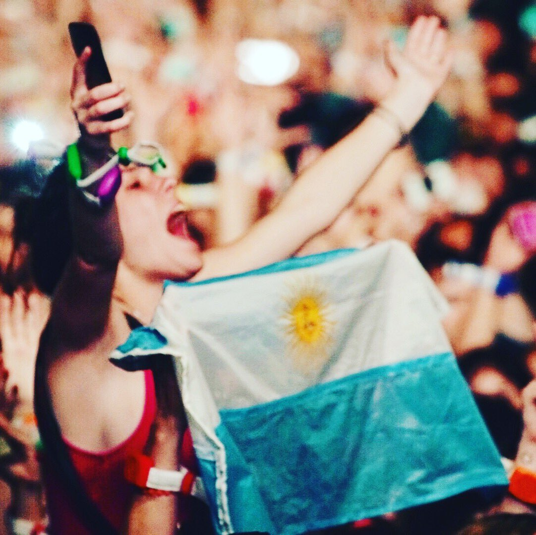 Passion.... R42 #ColdplayBuenosAires https://t.co/Ry9jzrUhZ3