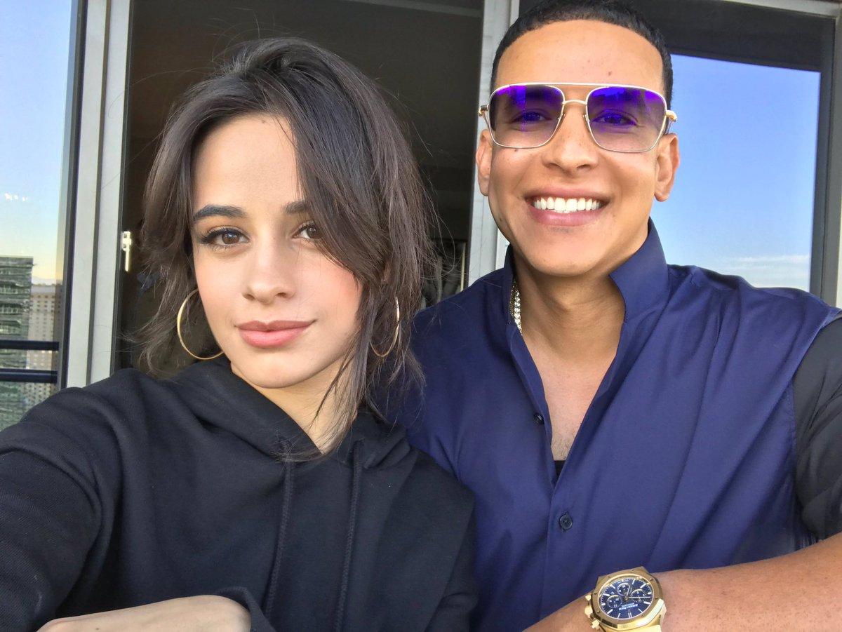 Camila y Ramón Ayala de un páj camila cabello