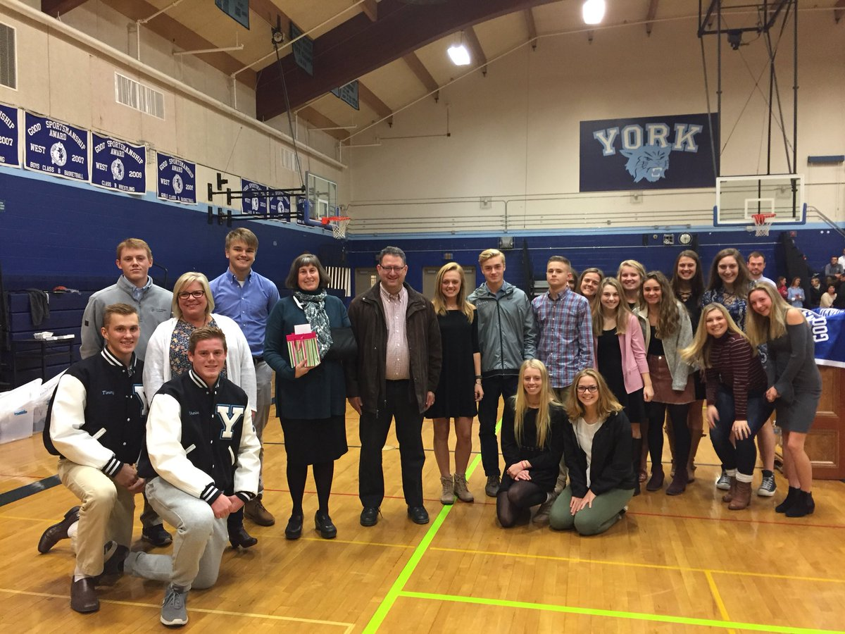 test Twitter Media - We've had a great evening celebrating the accomplishments of 273 fall student-athletes participating in 16 teams in 8 sports. And sharing the fundraising efforts of our teams raising $2500 for @YorkHospital Living Well with Cancer Fund! https://t.co/K1M9aTDSYO