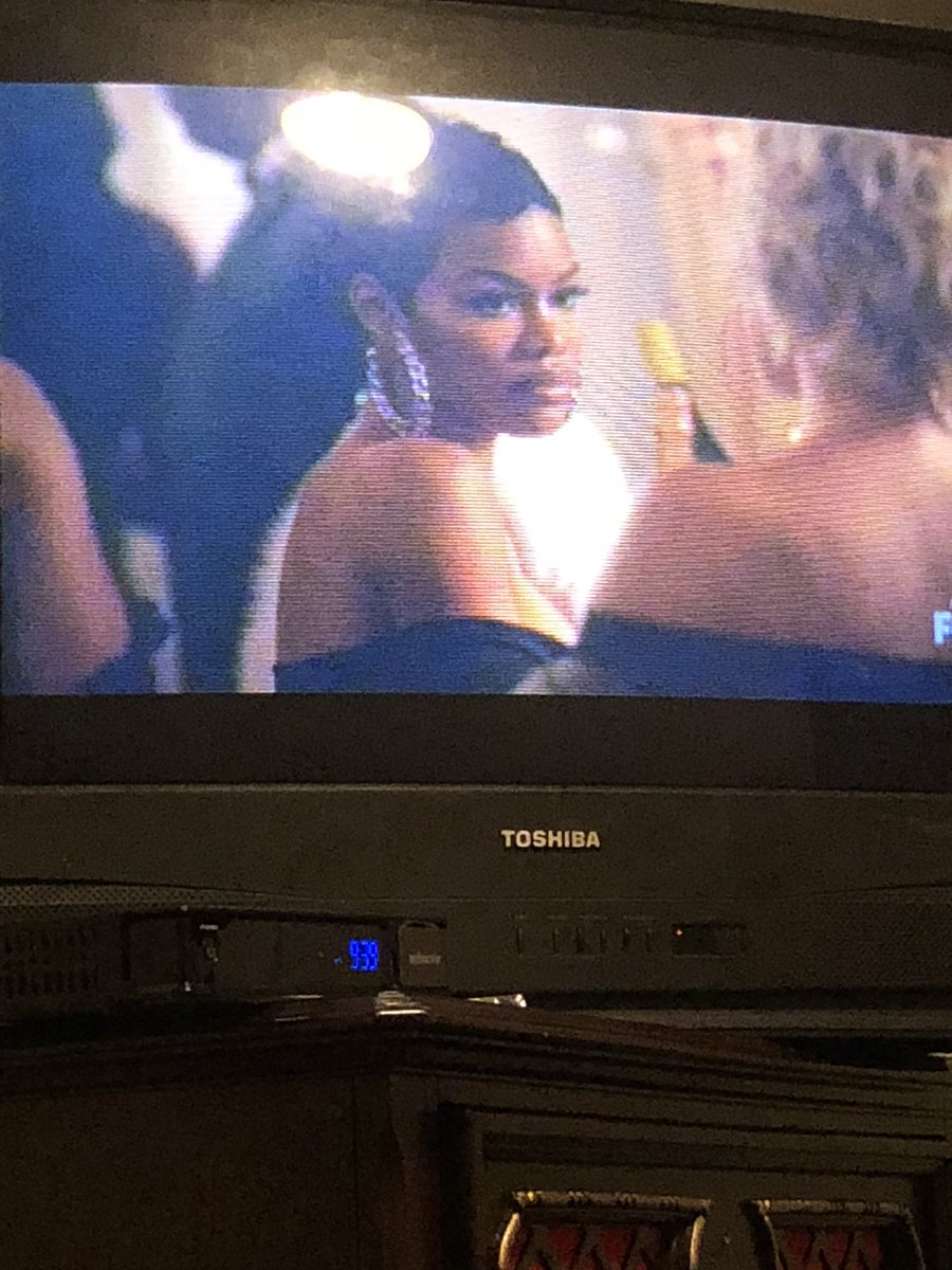 RT @SincerelyDani: The beautiful and talented @TEYANATAYLOR on #STAR looking stunning as usual! ???? https://t.co/KULSFQNwtX