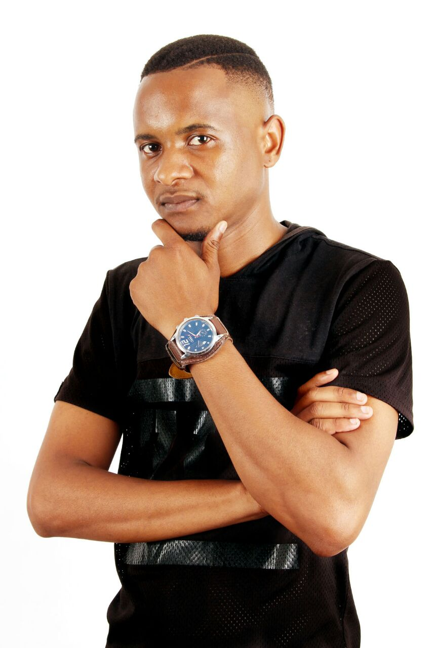 Another Promising Artist,Thapelo Rampedi well known to his fans as Dj Brother T,Signed by: Khotso Music Productions, And Hit Single Life Without You,dropping Soon!The Dj is currently located in Tembisa,booking SMS DjBrotherT to:33903 or call Manager 0762743565/0645818383 https://t.co/ISRMV2MC0V