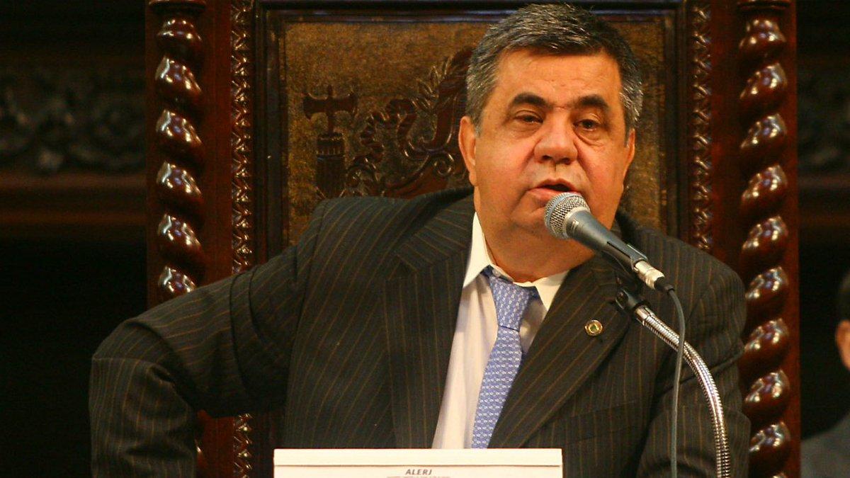 Jorge Picciani, presidente da Alerj, se entrega à PF