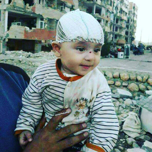 RT @NegarMortazavi: Baby rescued from rubble 48 hours after the earthquake in Iran... because life must go on. https://t.co/eSIohq64ye