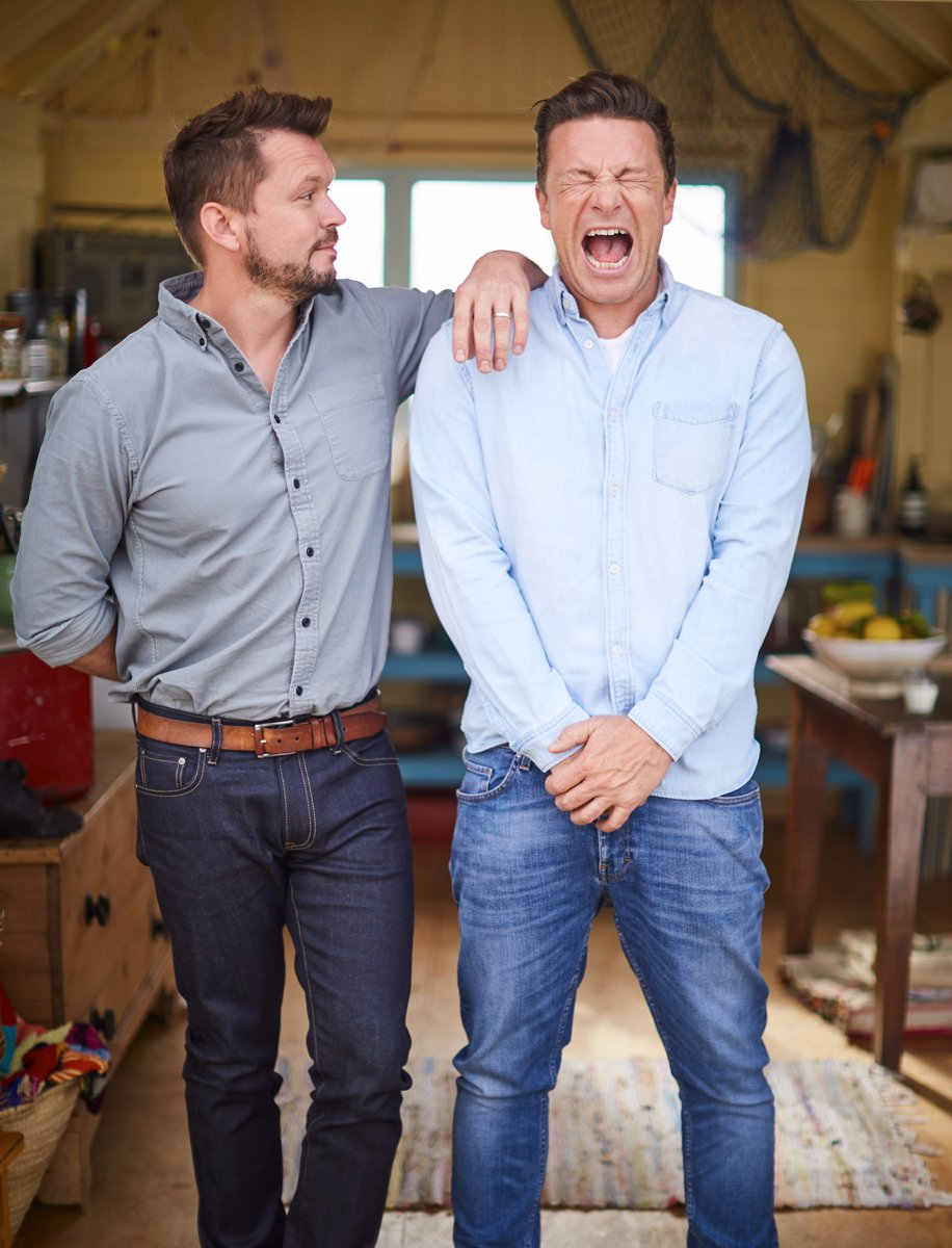 15 minutes til the best bromance in history is back on your screens. #FridayNightFeast is on @Channel4 at 8 pm https://t.co/WYnZPRQOpz