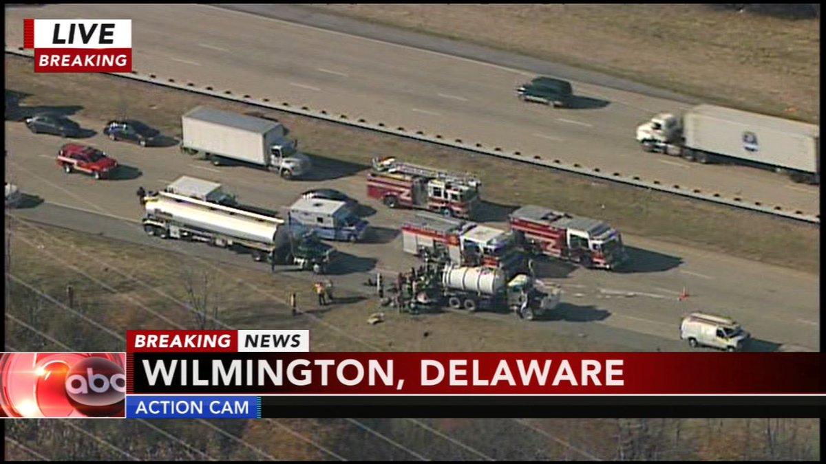 I-495 NB shut down after crash involving 4 vehicles