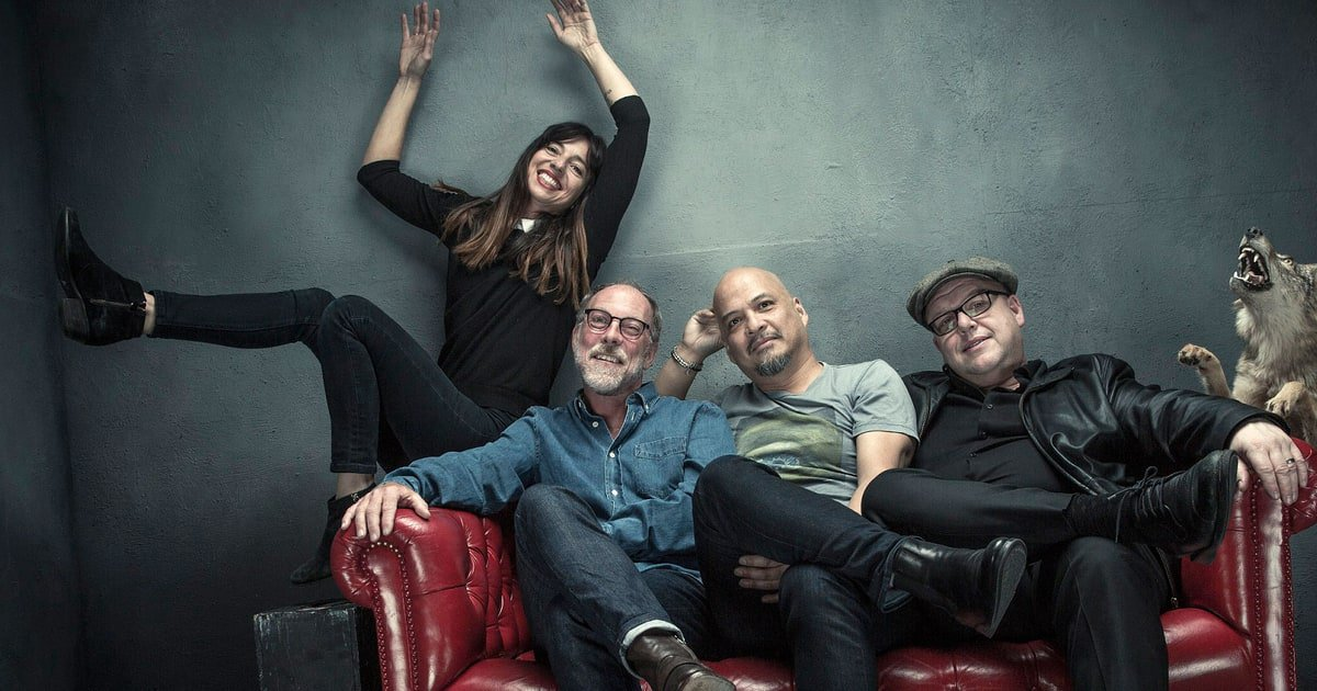 Tonight, @PIXIES rock a SOLD OUT show at #theparamount! 7 pm Doors / 8 pm Show || https://t.co/P6DJiwLjZg https://t.co/qXWjSuS0Kb