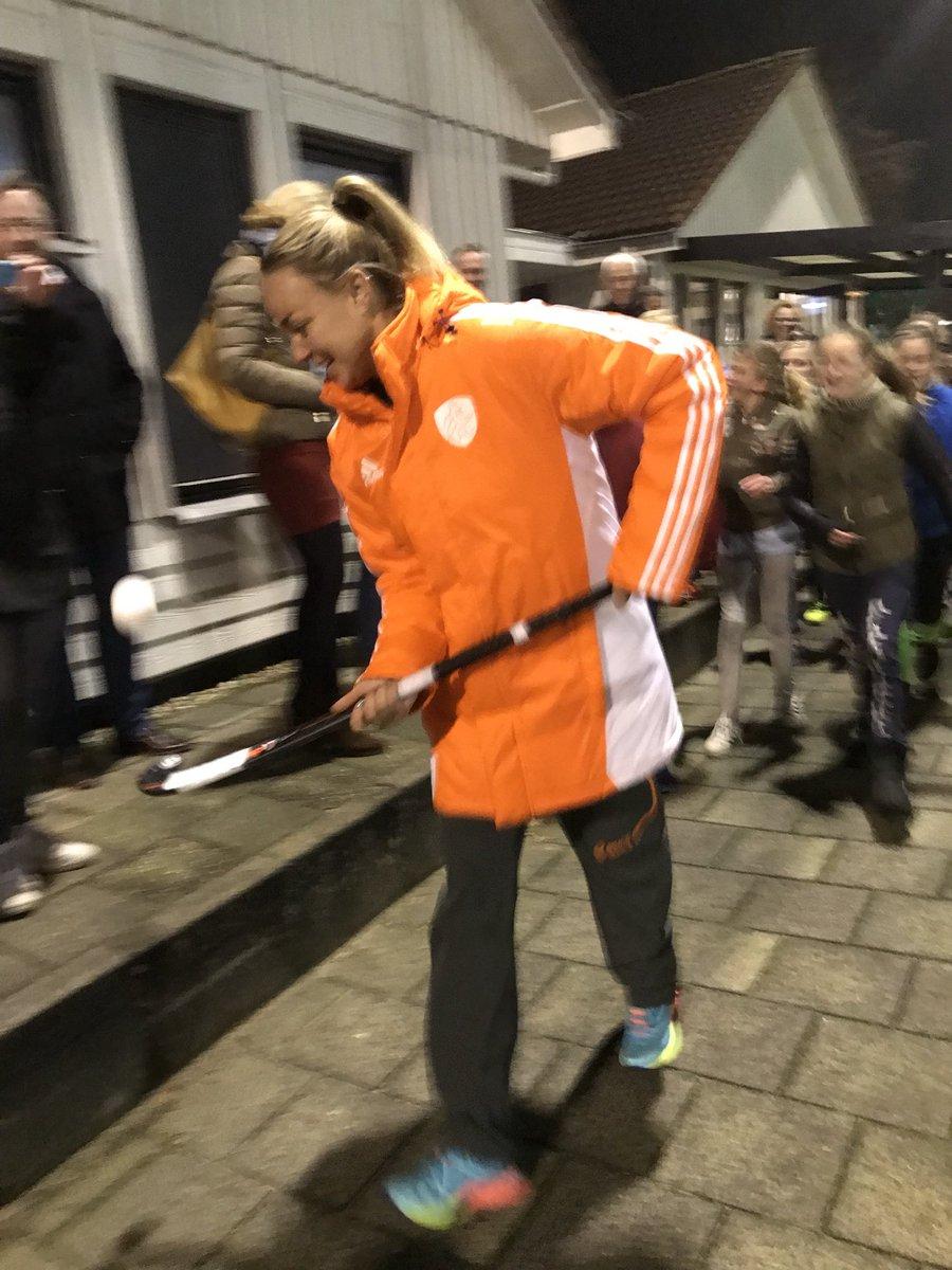 test Twitter Media - RT @MHCHoevelaken: drukte op de club - @MaartjePaumen opent het Rabo kidsveld 👍 topper https://t.co/ysyrWtgB6Z