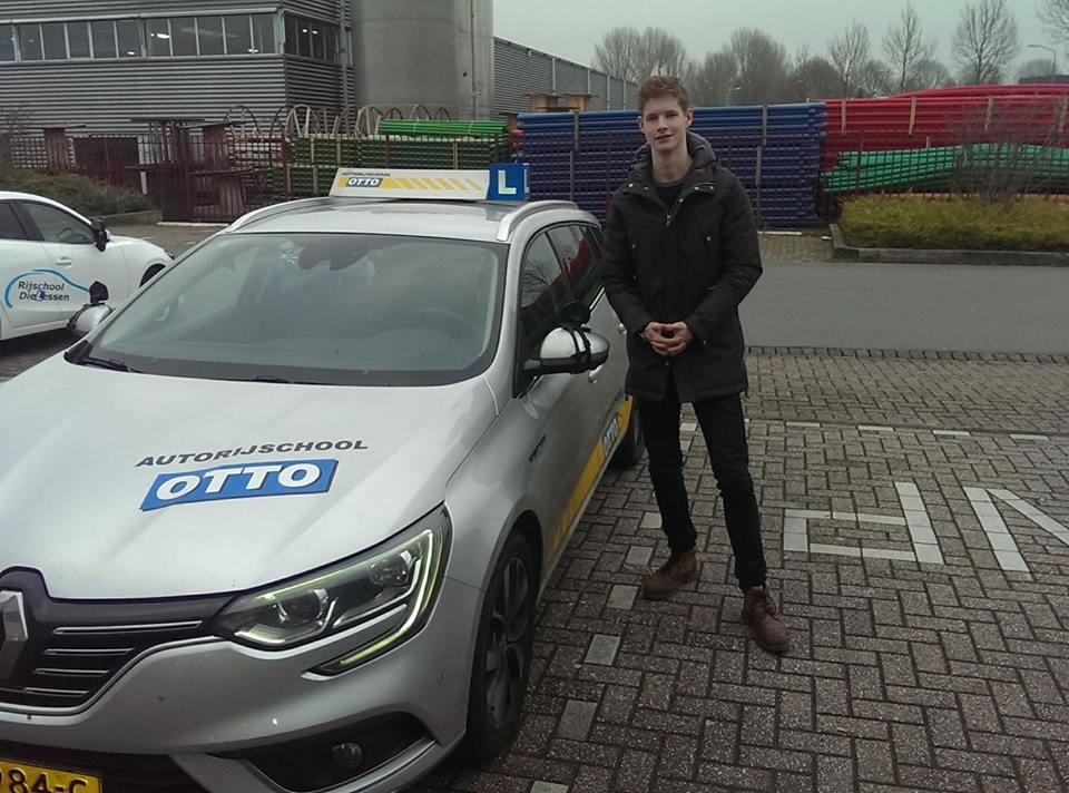 test Twitter Media - Vincent de Jong gefeliciteerd met het in 1x behalen van je rijbewijs! De aandachtspuntjes van je Tussen Tijdse Toets heb je goed opgepakt! https://t.co/WojqiyWLWU