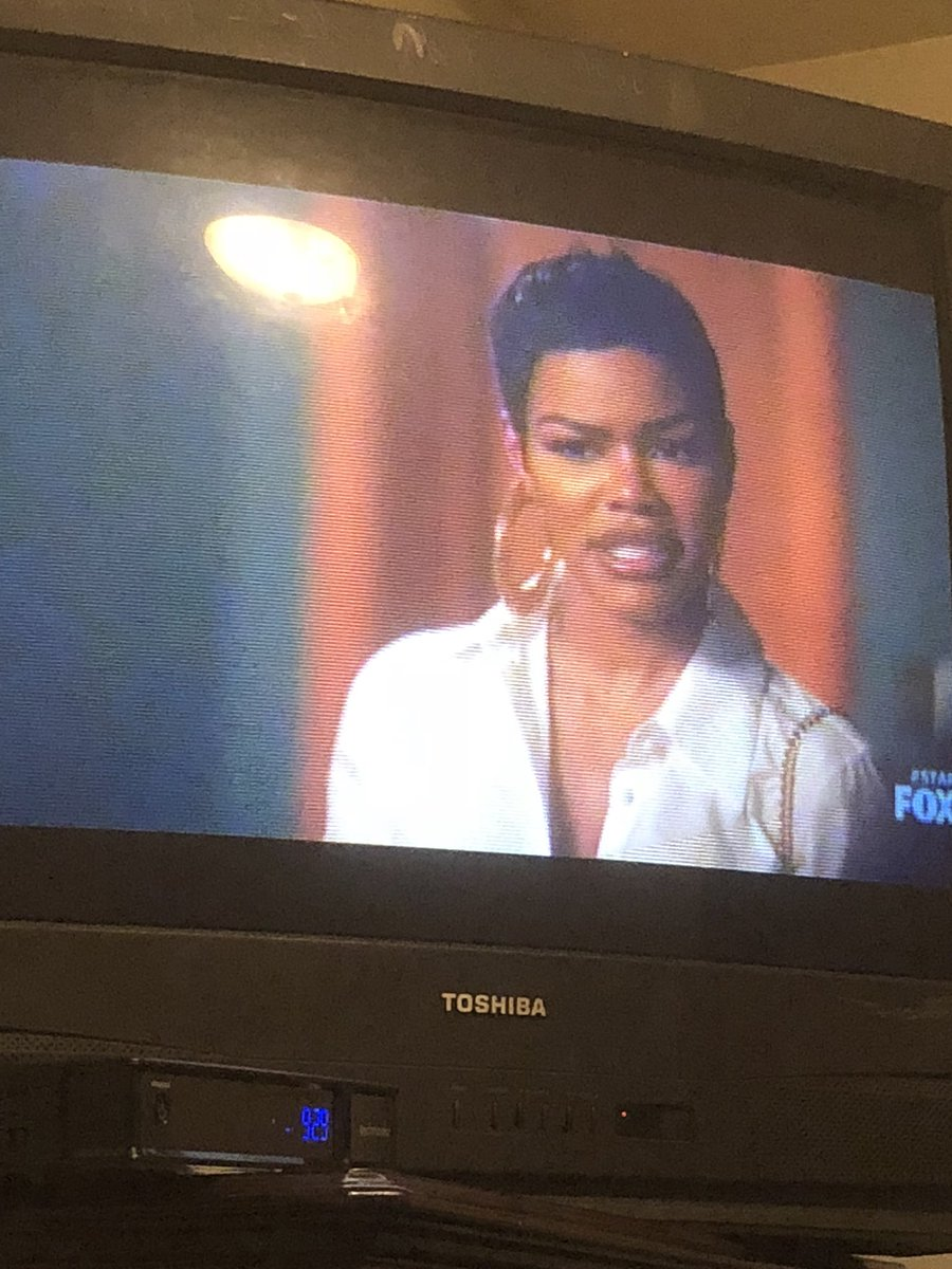 RT @SincerelyDani: The beautiful and talented @TEYANATAYLOR on Star ???????? https://t.co/HAEkhUkIcB