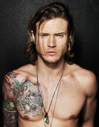 A star born today!! A very happy birthday to you Dougie Poynter !!