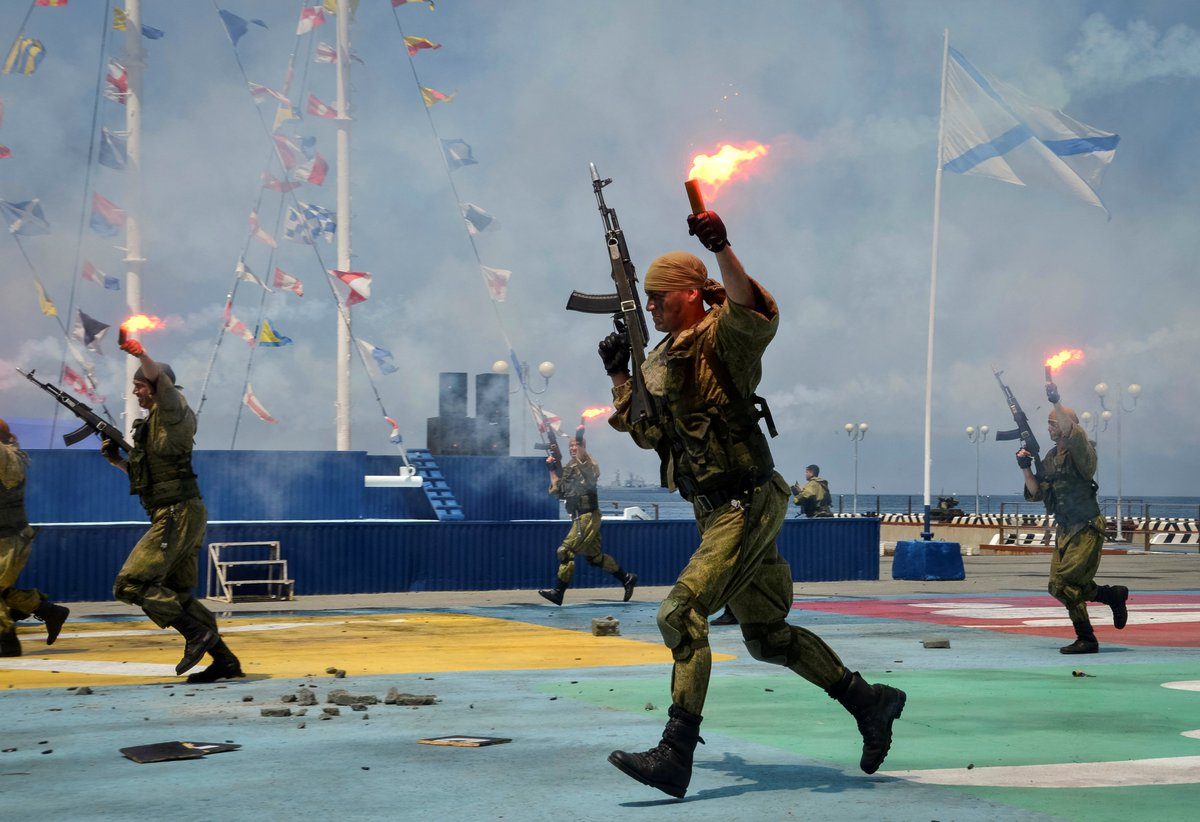 Russian marines are practicing landing at North Korea-bordering region
