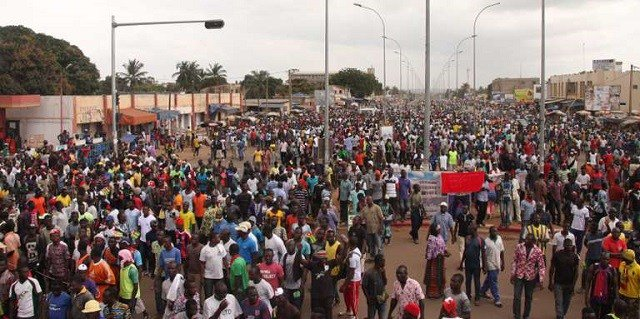 Protesters keep up pressure on Togo president