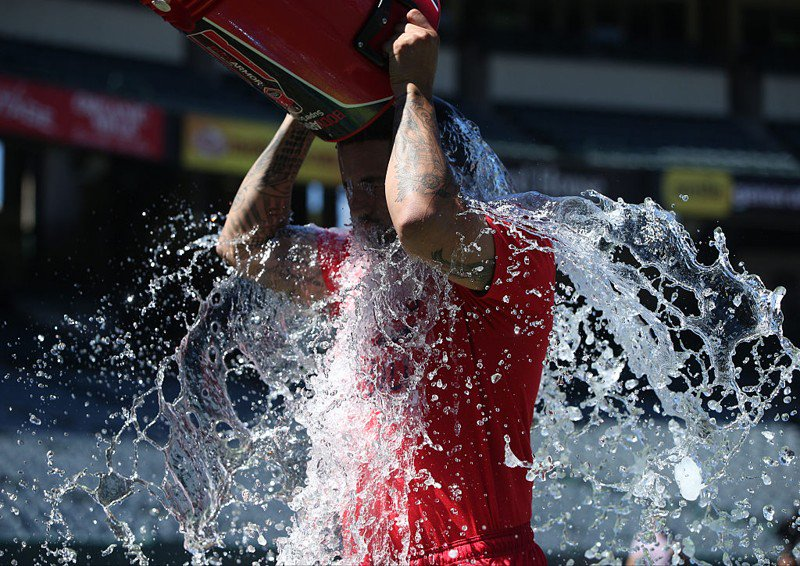 Man who inspired ALS Ice Bucket Challenge dead at 46