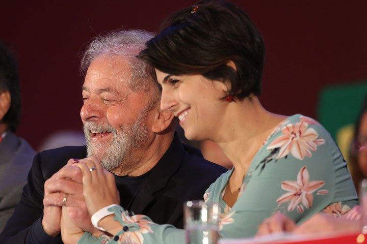 @BroadcastImagem: Lula (PT) e Manuela D'Ávila (PCdoB) participam do 14º Congresso do PCdoB, em Brasília. André Dusek/Estadão